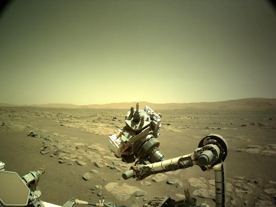 NASA'nın Perseverance Gezicisi Nihayet İlk Mars Kaya Örneğini Aldı! 1