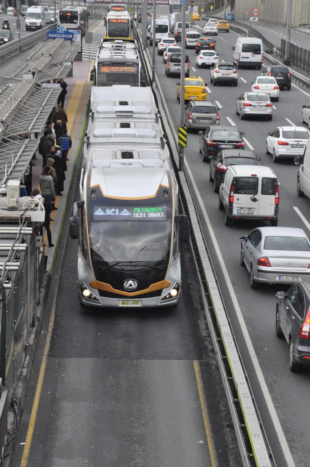 İstanbul Metrobüs Filosuna 160 Yeni Araç! 1