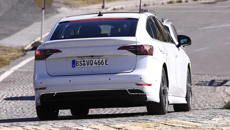 Volkswagen'in Elektrikli Sedanı İlk Kez Görüntülendi! 3
